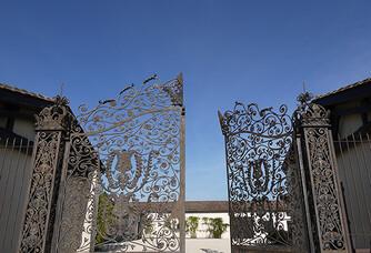 L'entrée au Château Hourtin-Ducasse